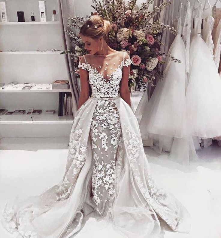 So much #BERTA beauty is going on in London at The Wedding Club this weekend ❤