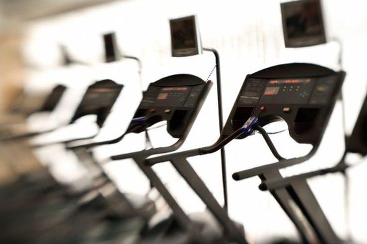 ¿Qué ejercicios puedo hacer para parar el dolor de cadera mientras camino en la cinta de correr? | Muy Fitness