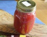 Pomodori pelati fatti in casa, ricetta artigianale