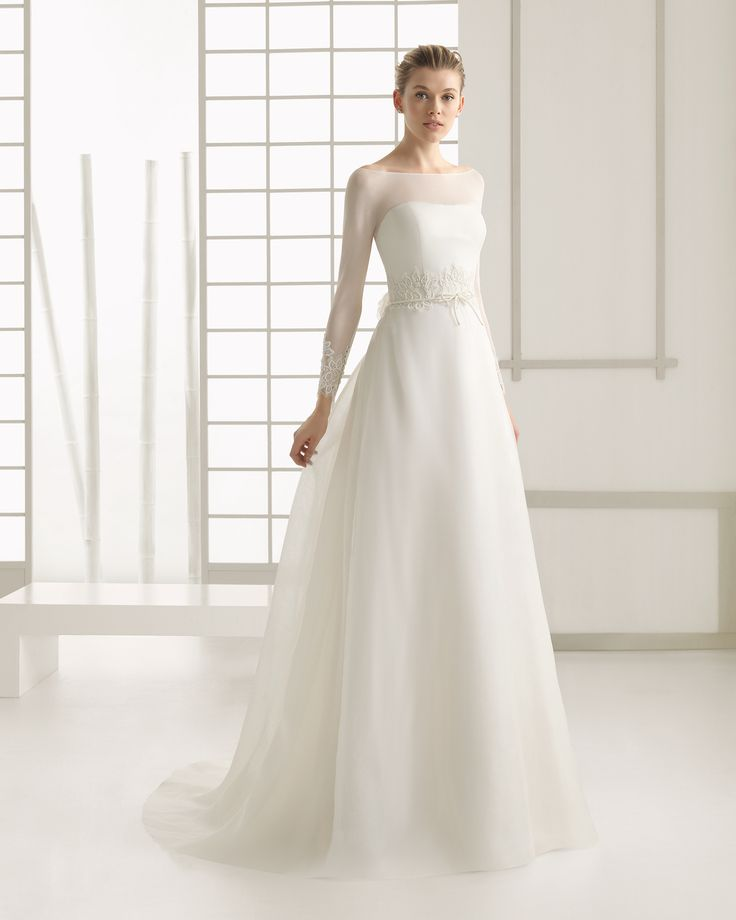 Silk organza and chiffon wedding dress with beaded lace detail and hemstitch detail. Rosa Clará 2016 Collection.