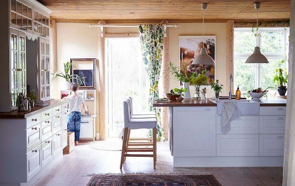 Traditionelles zuhause im landhausstil landhausstil zu hause und küche