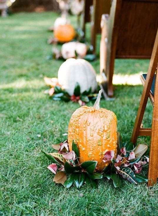 Andere vom Herbst inspirierte Ideen 25 schicke Herbst Hochzeit Gang Dekor Ideen; #FallWedding …   – Mother of the FUTURE grooms