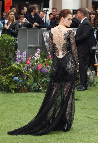 Kristin Stewart dons a sexy lace dress by Marchesa for the UK premier of 'Snow White and the Hunstman'.