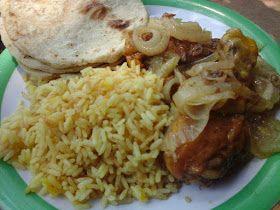 Mi Cocina Salvadoreña: Pollo encebollado