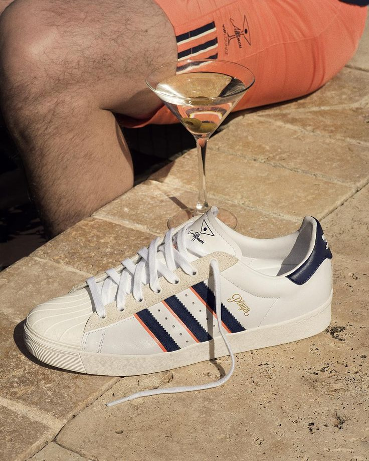 """14.3 mil Me gusta, 362 comentarios - adidas Skateboarding (@adidasskateboarding) en Instagram: """"x @alltimers The Superstar Vulc ADV 🍸 in white leather. Full collection available now in stores.…"""""""