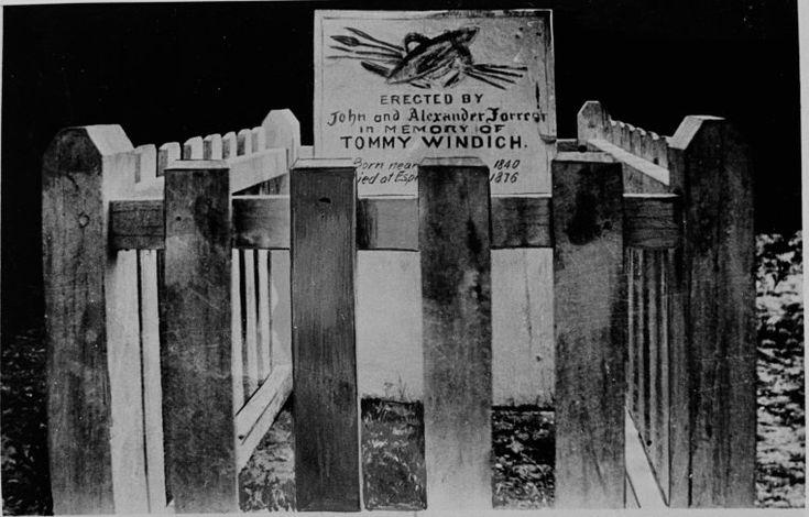 024266PD: Tommy Windich's grave, Esperance ca 1920 http://encore.slwa.wa.gov.au/iii/encore/record/C__Rb2960432?lang=eng
