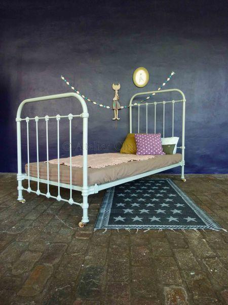 les 25 meilleures id es de la cat gorie lits en fer anciens sur pinterest lit de b b de fer. Black Bedroom Furniture Sets. Home Design Ideas