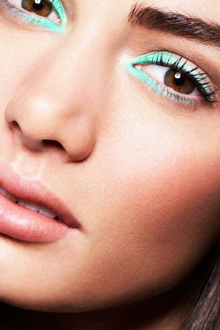 10 Colored Eyeliner Shades to TryNow