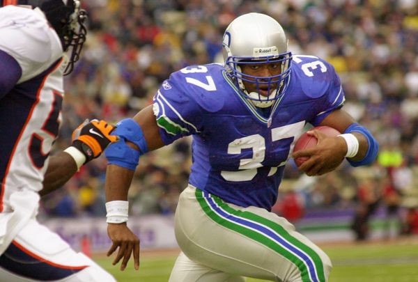 On this date: Shaun Alexander selected in first round of NFL Draft
