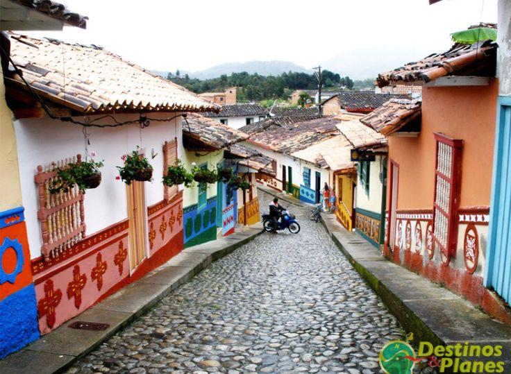 Calles históricas de Guatapé