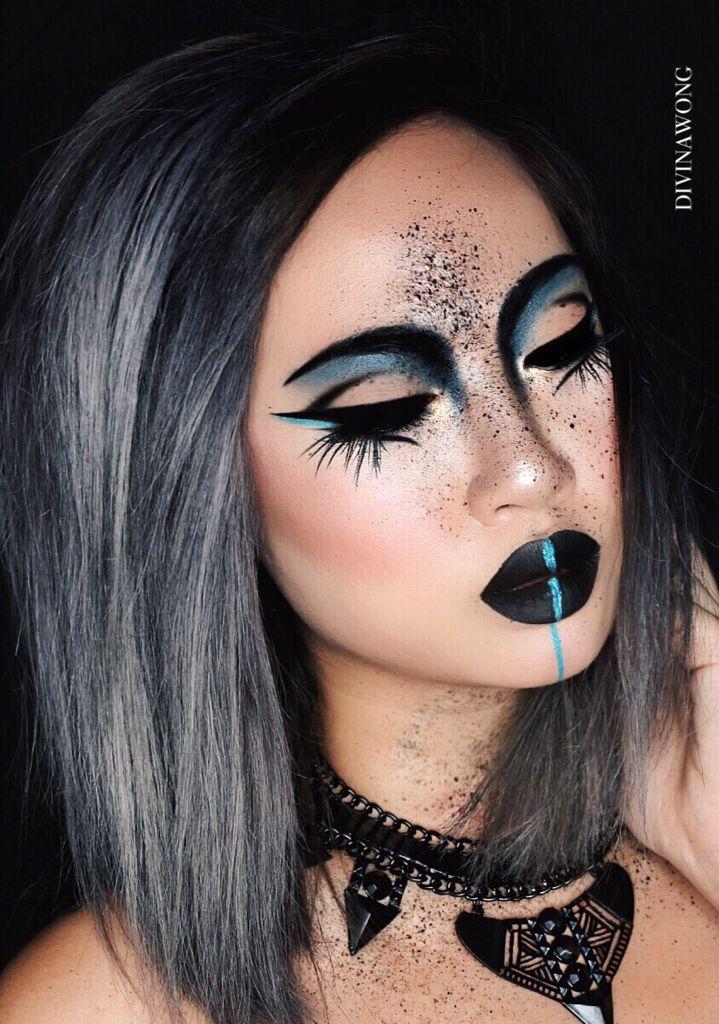 PECULIAR / Instagram: DIVINAWONG #makeup #makeupart #creative
