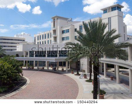 Стоковые фотографии на тему: медицинский центр, Стоковые фотографии медицинский центр, Стоковые изображения медицинский центр : Shutterstock.com