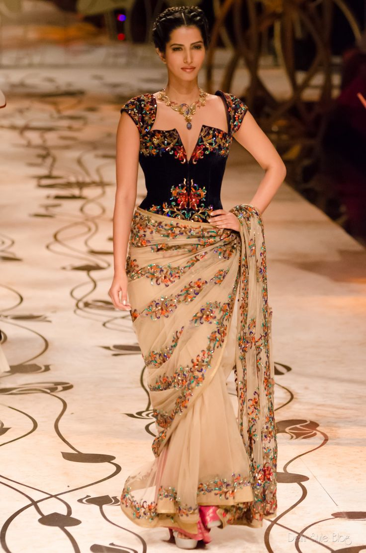 Rohit Bal India Bridal Fashion Week 2013 The Mulmul Masquerade Aamby Valley Review