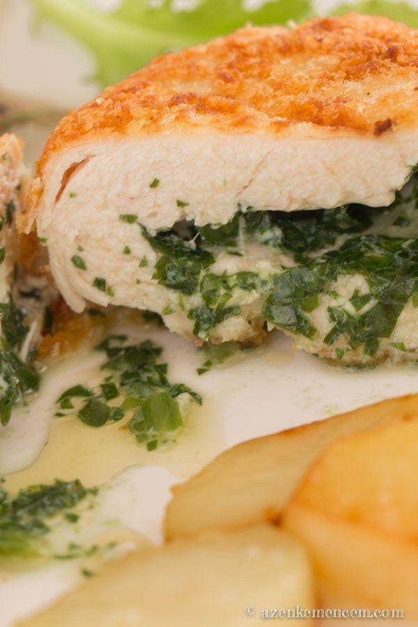 Medvehagymás kijevi csirkemell - az olvadt fűszervaj a hússzelet belsejében maradt