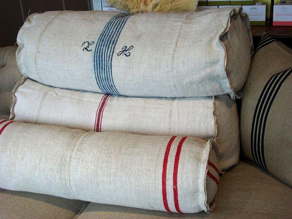 reforçar travesseiros feitos com lençóis antigos