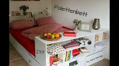 ihr wollt kein bett von der stange baut es euch aus europaletten einfach selbst mit regal. Black Bedroom Furniture Sets. Home Design Ideas