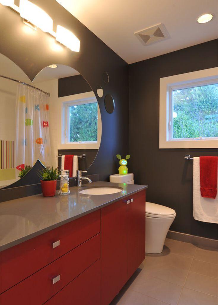 O banheiro, na maioria da vezes, é um cômodo negligenciado no que diz respeito à decoração. Talvez seja pelo fato de não passarmos tanto tempo ali, assim c