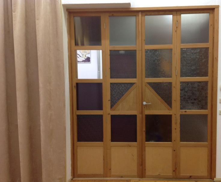 Originele deuren naar het kantoor van vergaderruimte AANLEG. www.aanleg.eu