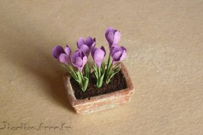 Jicolin minis: Crocus - these look easy to do.