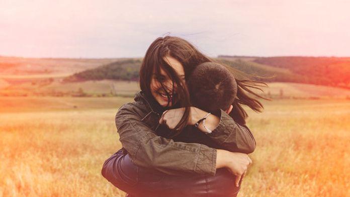 Dávat a přijímat lásku je důležitá dovednost a míra tohoto jemnocitu může být určena právě znamením zvěrokruhu. Zatímco někteří lidé mají fyzický kontakt v oblibě, drží se za ruce a neustále vyhledávají objetí, jiní se chovají extrémně rezervovaně. Vše závisí na rysech osobního charakteru, na návycích z dětství, ale