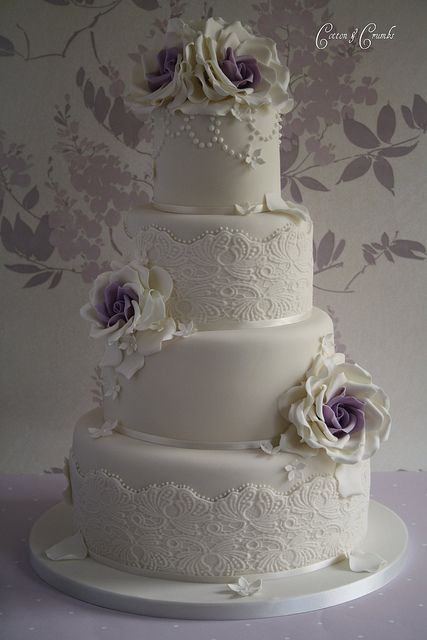 Beautiful! I love the hint of color!!  #laceweddingcake