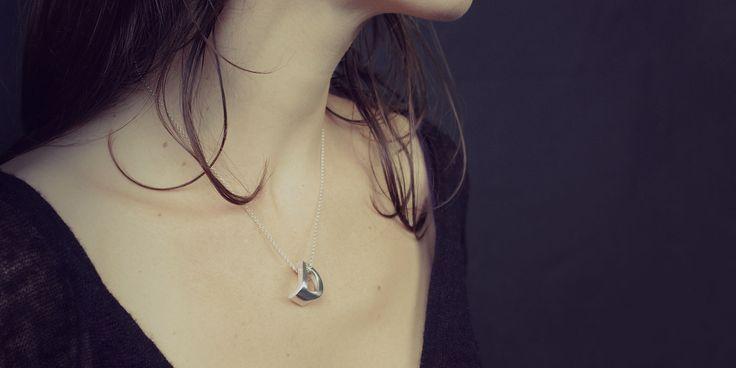 Mymo: Personalized monogram necklace