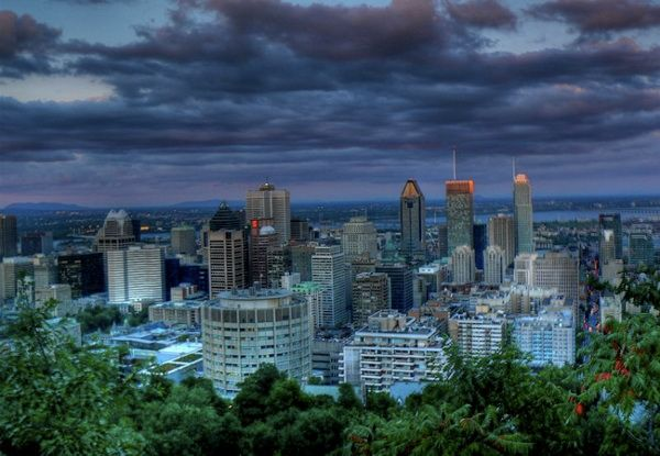 Kondiaronk belvedere on the top of the Mount Royal, offering a breathtaking view of downtown Montreal!