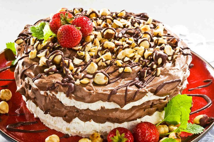 Tort bezowy #smacznastrona #przepisytesco #tort #tortbezowy #beza #deser #sweet #mniam