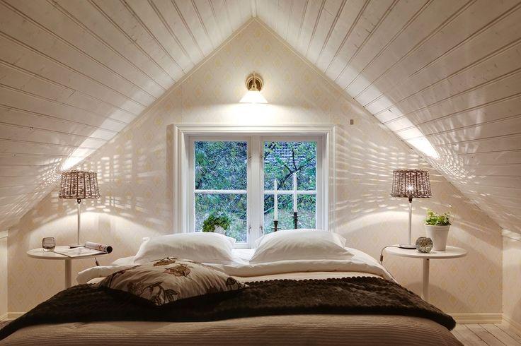 Med inredd vind finns här många sovplatser som erbjuder en god natts sömn. Stora Iserås - Bjurfors