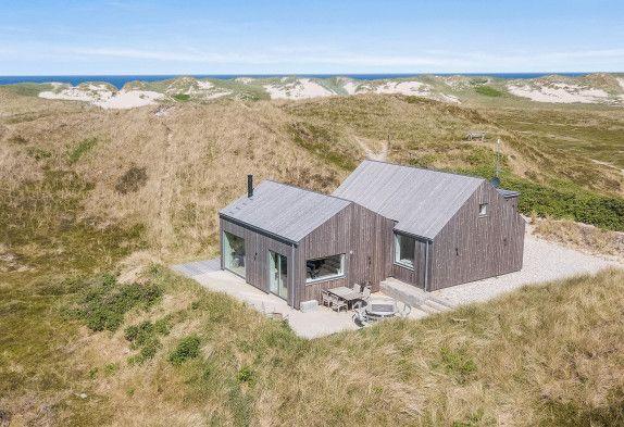 Geraumiges Ferienhaus In Schoner Lage Nah Am Strand Ferienhaus Danemark Ferienhaus Ferienhaus Am Strand