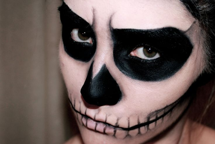 EASY SKULL MAKEUP - HALLOWEEN | MissCharlotteMakeup
