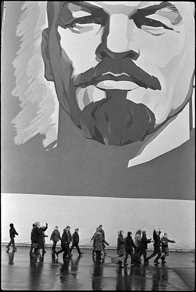 Записки скучного человека - Лица Советской эпохи. Часть 148. Люди на снимках Владимира Сычёва-1