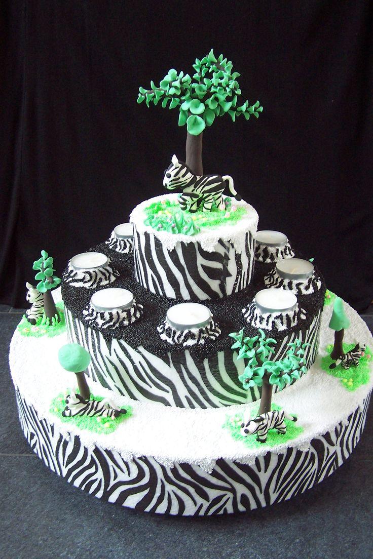 Dummy zebra taart. foam clay en silk clay.