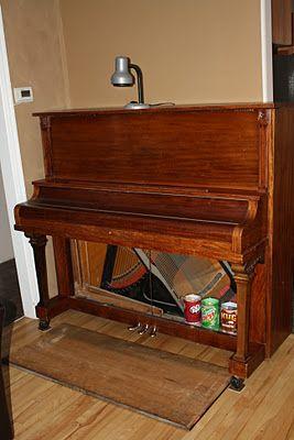 Carolyn Ward: DIY: Passive Humidifier for a Piano