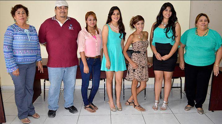 Nava, Coahuila. En rueda de prensa, el comité organizador de la Feria de San Andrés Nava 2015 presentó a las candidatas a reina, y se exhortó a la ciudadanía a respaldar a las jóvenes en la compra de boletos para la rifa de una camioneta último modelo, que será la principal actividad que las llevará …
