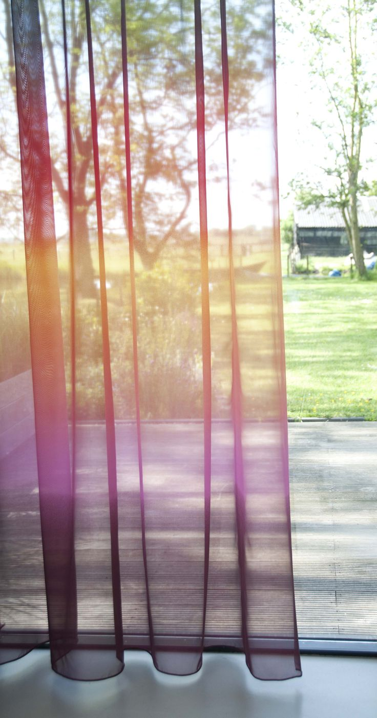 OMBRE   Een prachtig kleurverloop in je gordijnen zorgt voor een originele uitstraling. #gordijnen #curtains #gardinen #vorhänge