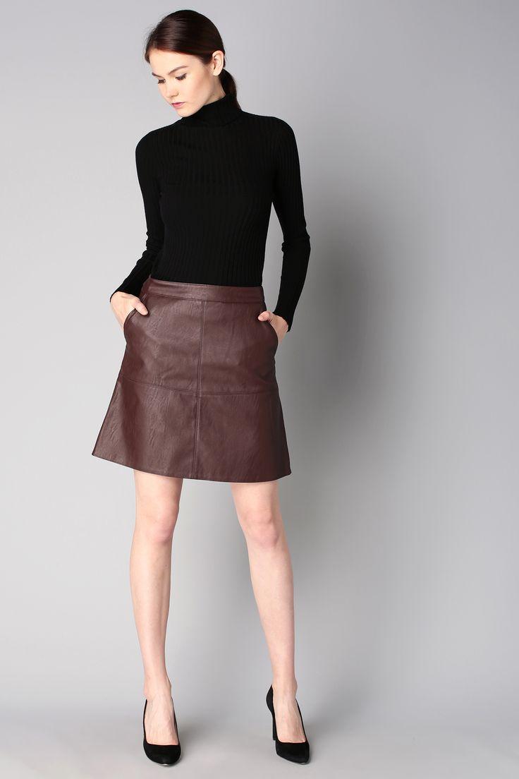 Les 25 meilleures id es de la cat gorie jupe marron sur pinterest tenue jupe marron tenues d - Tenue avec jupe en cuir ...