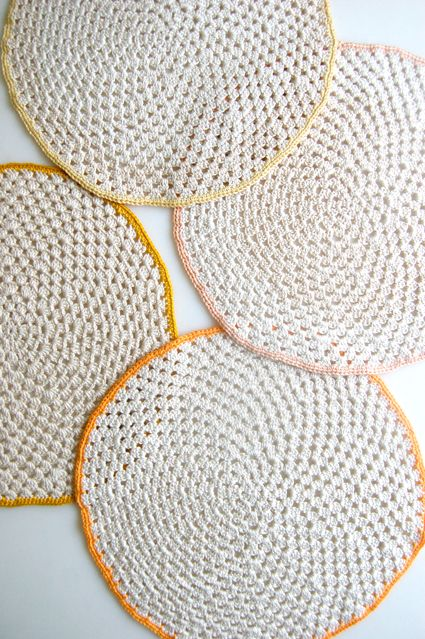 Whits Knits: Granny CirclePlacemats - The Purl Bee - Knitting Crochet Sewing Embroidery Crafts Patterns and Ideas!