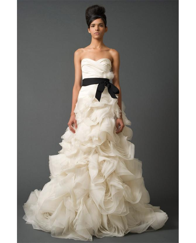 Hideous Wedding Dresses: Vera Wang Ghilian -her High Fashion Hair Is Hideous But I