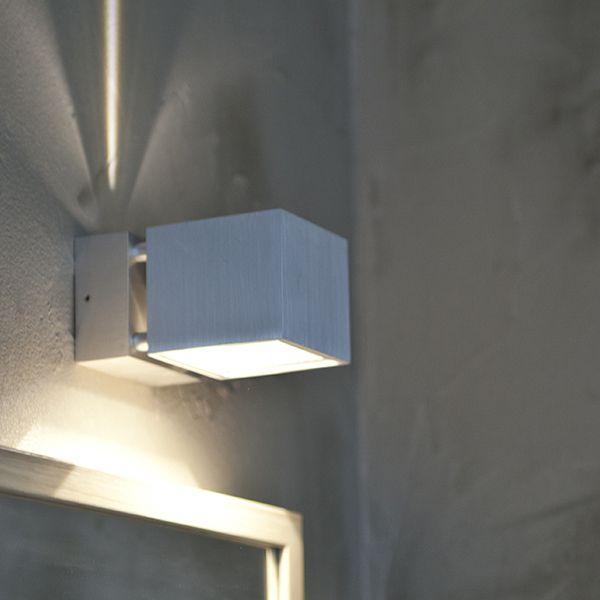 LedStore.fi Cubic Wall Wave ei ole mikä tahansa ulkovalo, sillä seinään muodostuvaa valon kuvaa voi muuttaa käännettävällä lipalla tunnelman mukaan. Tässä kuvassa Cubic Wall Wave on asennettuna asiakkaan kylpyhuoneeseen. #habitare2014 #design #sisustus #messut #helsinki #messukeskus