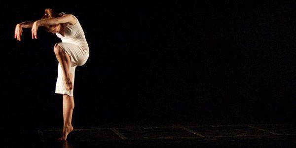 Dans meraklıları Dönüşüm Atölyesi tarafından düzenlenen Modern Dans Eğitimi'ne davetliler! Bu eğitime katılarak yeni bir hobi edinmeye ne dersiniz?  http://www.meraklisiicin.com/tiyatro-kurslari/donusum-atolyesi/modern-dans-egitimi