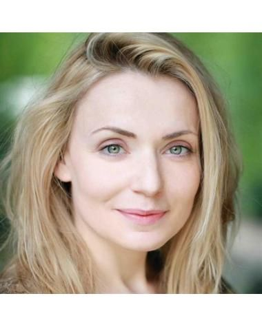 Christine Bottomley  Born 27 April 1979Christine has appeared in a number of popular British comedy series including Early Doors and Shameless.   More recently she has had roles in other Northern dramedy's including Great Night Out.  http://clients.troikatalent.com/gary-osullivan/christine-bottomley