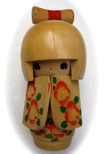 VINTAGE JAPANESE ASIAN KOKESHI GEISHA DOLL - WOODEN HANDPAINTED KIMONO