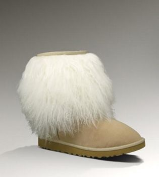 UGGSheepskin Cuff 1875 Sand For Sale In UGG Outlet Save more than $100, Free Shipping, Free Tax, Door to door delivery