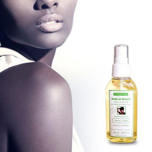 Ulei unificator LUMISKIN Vegetal, 100% pur   Descriere : Acest ulei are puterea de a înmuia pielea. Activul său iluminant, de origine vegetală (Lumiskin), are proprietăţi antioxidante. Luminează şi uniformizează pielea. Nu se clăteşte. Nu conţine parabeni. Cantitate : 100 ml. Suprafeţe de utilizare : corp, faţă şi gât. Fabricat în Franţa.