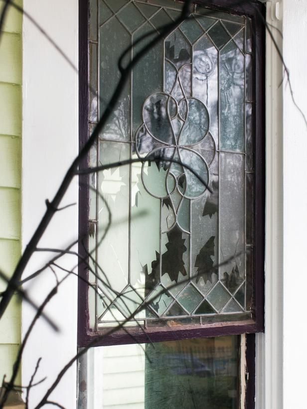 #Spooky #FrontPorch #Halloween  Fake shattered window>> http://www.hgtv.com/handmade/spooky-front-porch-decorating-ideas-for-halloween/pictures/page-5.htmlHalloween Porch