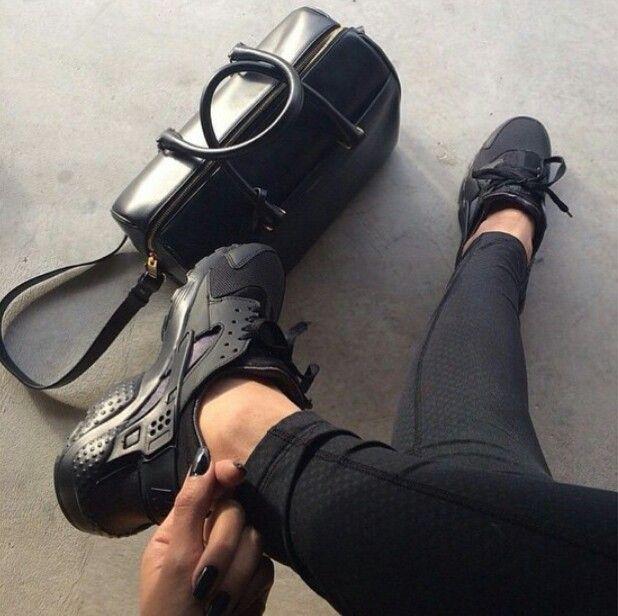Nike Huarache Women Black