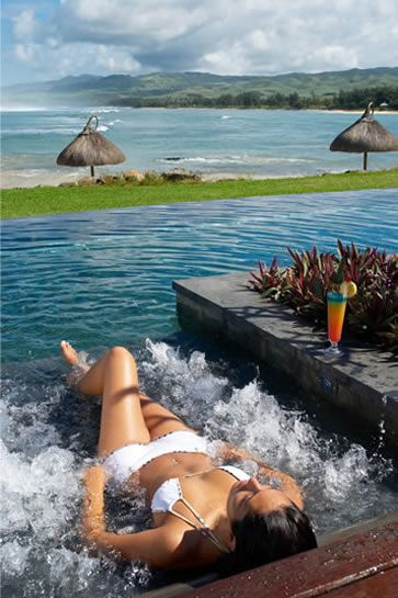 A stunning luxury spa in Mauritius, with holistic ayurvedic treatments. Shanti Maurice Spa, jacuzzi beds