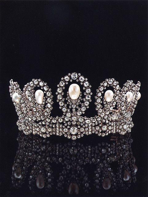 Diademi e gioielli reali. | Flickr – Condivisione di foto!