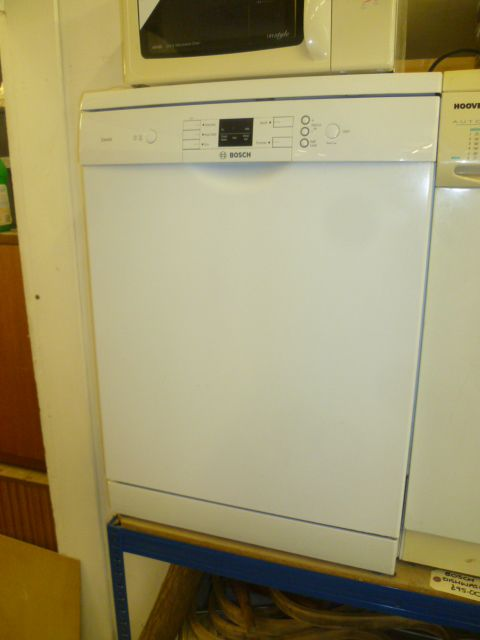BOSH Dishwasher £95